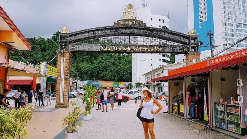 Các quầy lưu niệm tại Kota Kinabalu