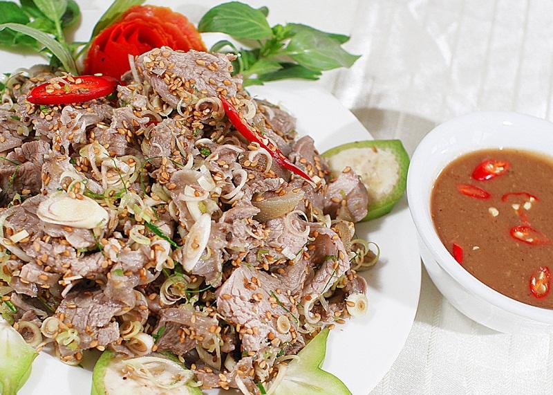 Thịt dê núi tại nhà hàng Đức Dê