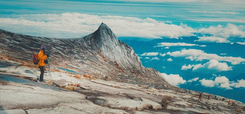 Săn mây kết hợp leo núi tuyết tại Kinabalu