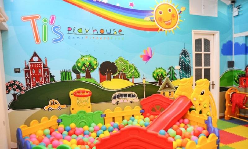 Không gian khu vui chơi nhiều màu sắc và được trang trí bắt mắt