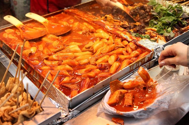 Món Tteokbokki bánh gạo Hàn Quốc