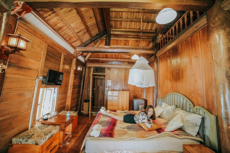 Memory Villa ấn tượng bởi những căn phòng bằng gỗ cổ điển, có 1 không 2.