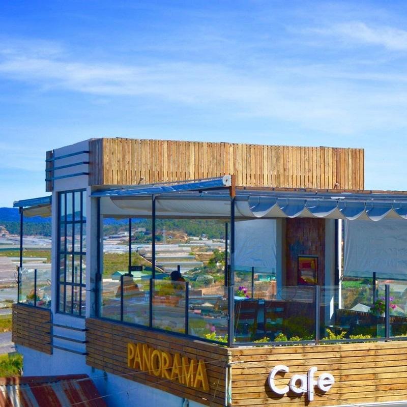 Không gian tầng thượng ở quán cà phê Panorama