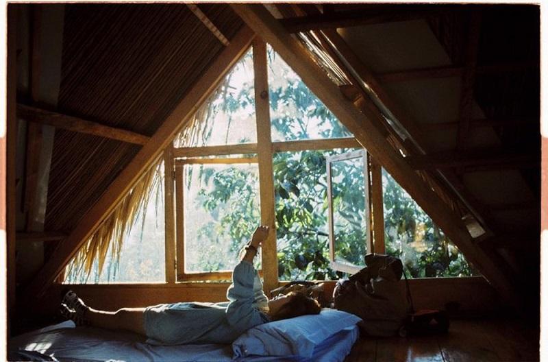 Không gian phòng ngủ nhỏ xinh ở Củi Homestay