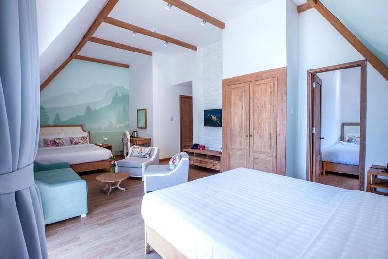 Các phòng ở Dalat De Charme Village đươc bày trí thoáng đãng với nội thất xinh xinh