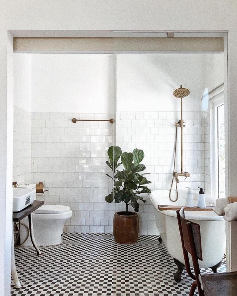 Phòng tắm mang phong cách vintage của Lacasa Homestay II