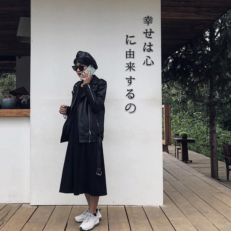 Áo khoác da luôn làm tăng vẻ cá tính, hiện đại cho các nàng.