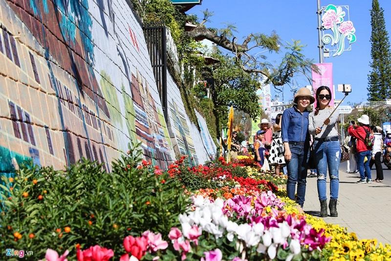 Chụp hình tai Festival hoa Đà Lạt 2019