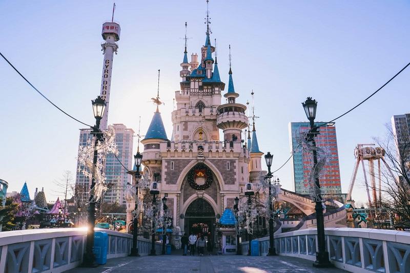 Lotte World - công viên giải trí trong nhà lớn nhất thế giới