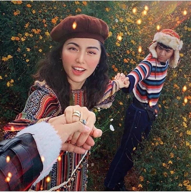 Chụp hình sống ảo ở vườn hoa dã quỳ Đà Lạt