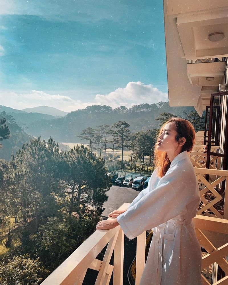 View siêu đẹp từ ban công phòng Swiss Belresort