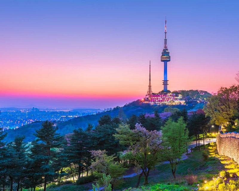 N Seoul Tower - biểu tượng thủ đô Hàn Quốc