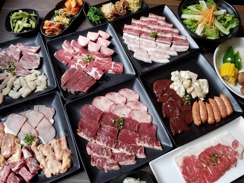 Các món thịt đều được nhập khẩu từ nước ngoài đảm bảo an toàn thực phẩm