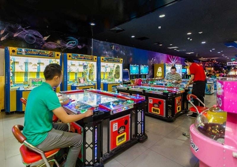 Khu vui chơi có cả người lớn tham gia với nhiều trò thú vị
