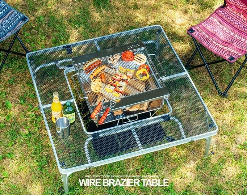Bếp nướng đặt ở bên trong bàn dã ngoại