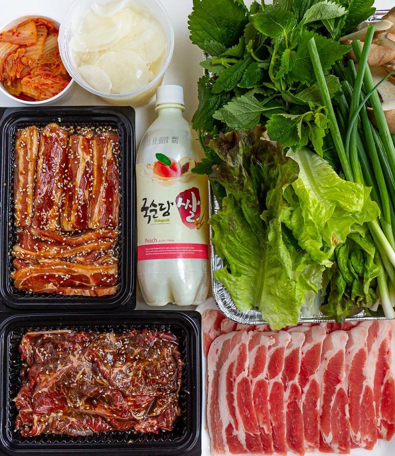 Thịt ba chỉ được tẩm ướp cùng với nước sốt Hàn Quốc