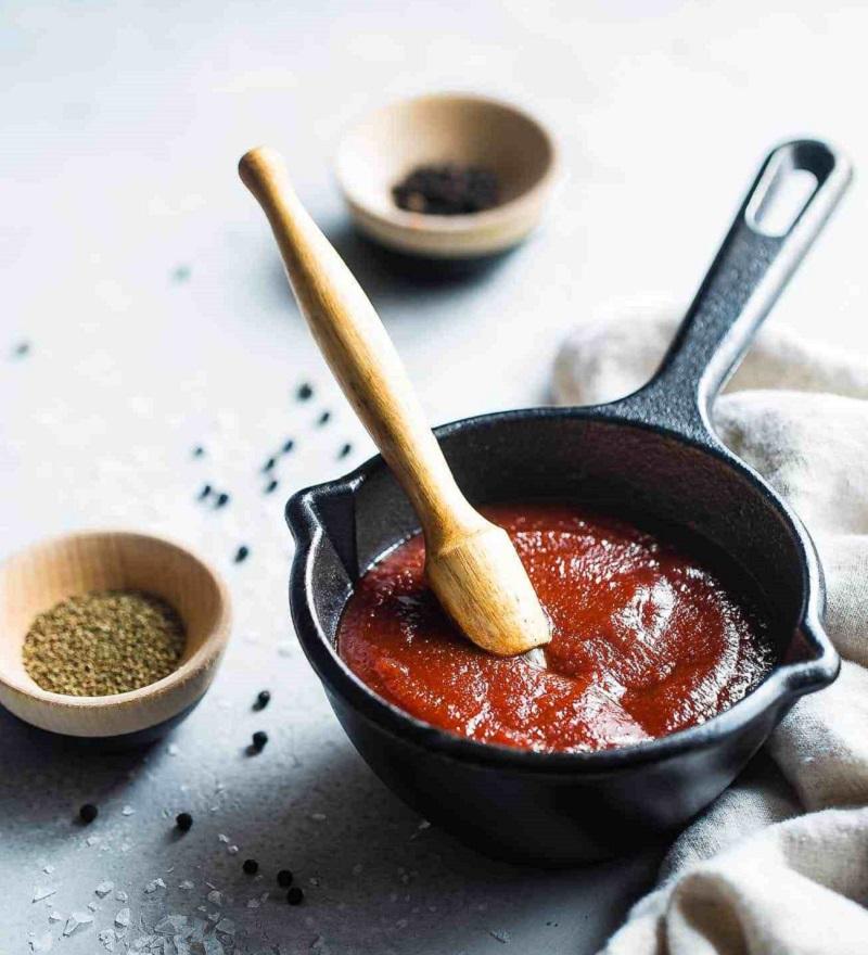 Trộn nước sốt cà chua cùng với ngũ vị hương