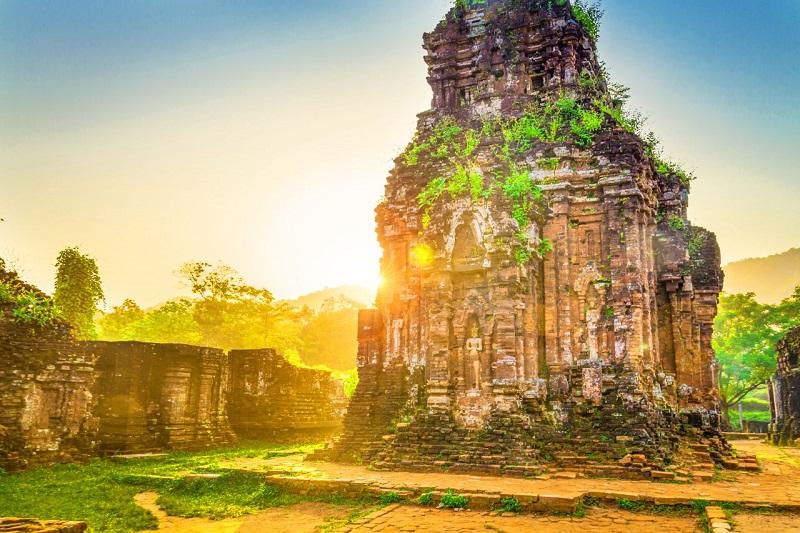 Thánh địa Mỹ Sơn là một di tích còn sót lại của nền văn minh Champa