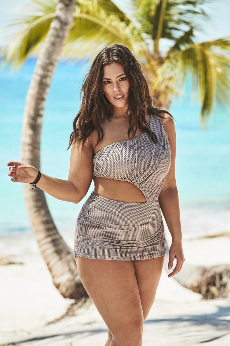 Bikini đi biển khoét eo cho những người béo