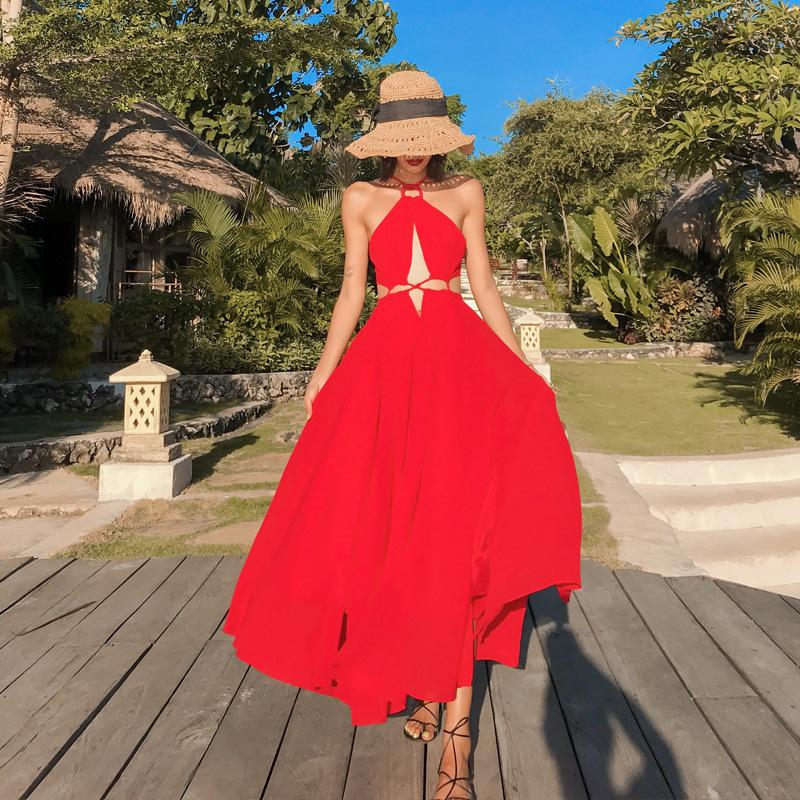 Đầm maxi đi biển cổ yếm màu đỏ