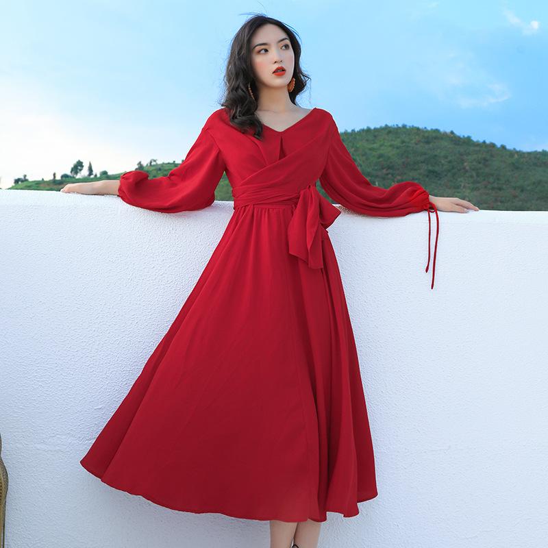 Đầm maxi màu đỏ dài tay