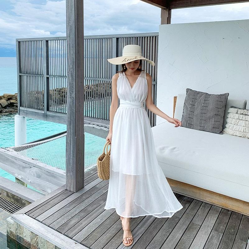 Đầm maxi trắng đi biển nữ tính