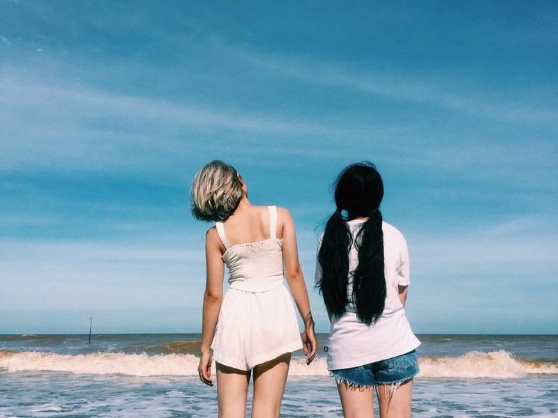 Biển và trời xanh ngắt như hòa làm một ở Hải Tiến Thanh Hóa