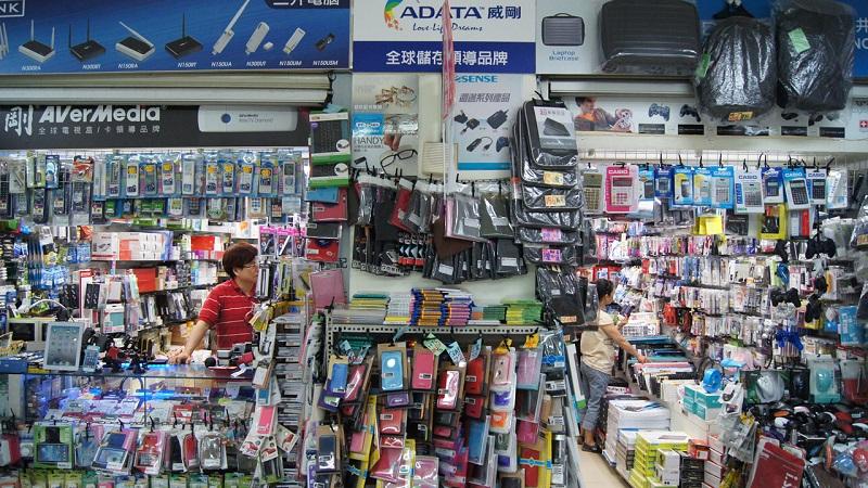 Hình ảnh các gian hàng bán đồ điện tử ở Đài Loan