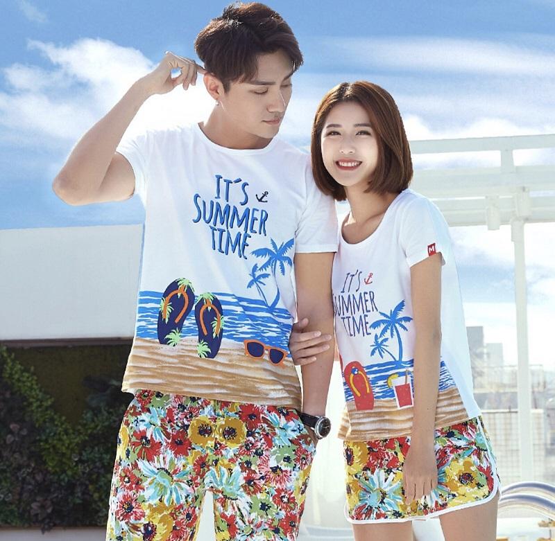 Trang phục đi biển đôi với nhiều màu sắc kiểu dáng