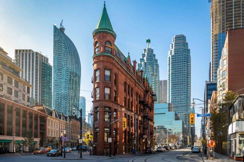 Thành phố Toronto những ngày tháng 4