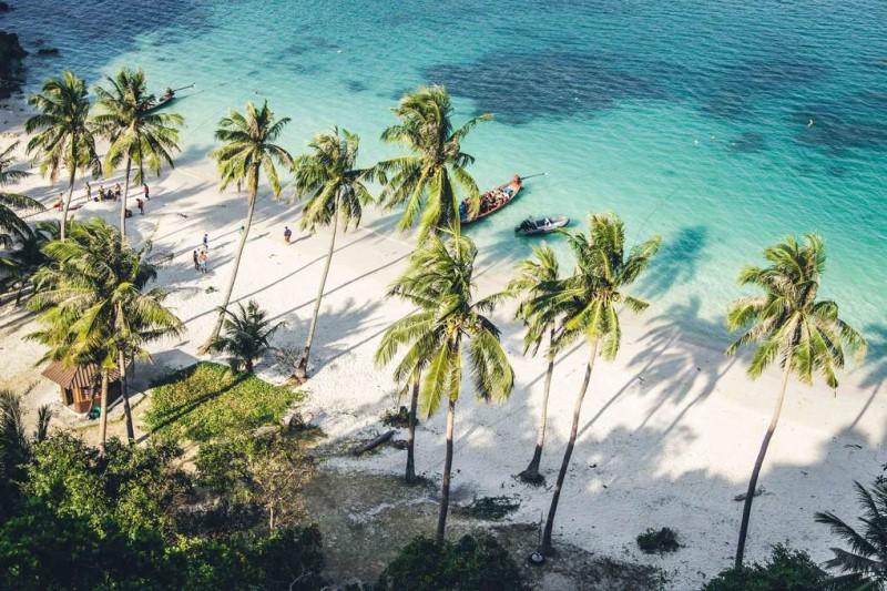Một đảo biển Thái Lan những ngày tháng 4