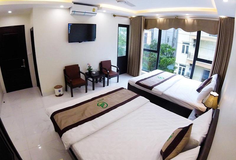 Không gian thoáng mát, sạch sẽ bên trong một phòng khách sạn ở Sầm Sơn
