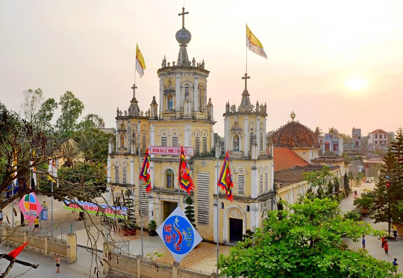 Nhà thờ Sầm Sơn với kiến trúc nổi bật