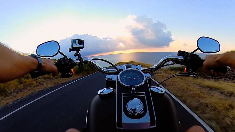 Đi xe máy khám phá các địa điểm du lịch