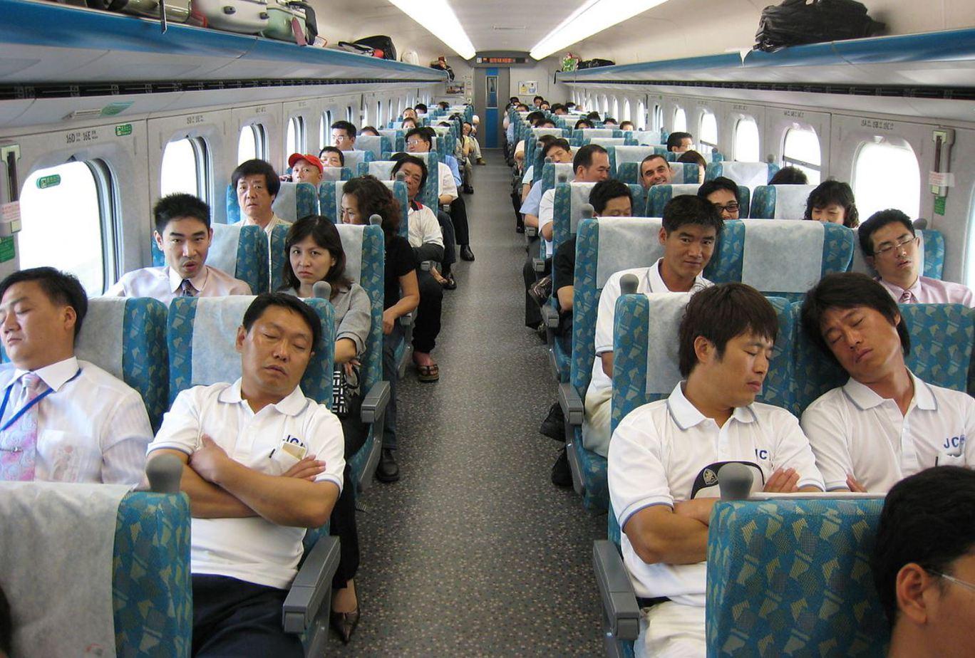 Hình ảnh trên tàu cao tốc ở Đài Loan khá sạch và tiện nghi không thua kém máy bay