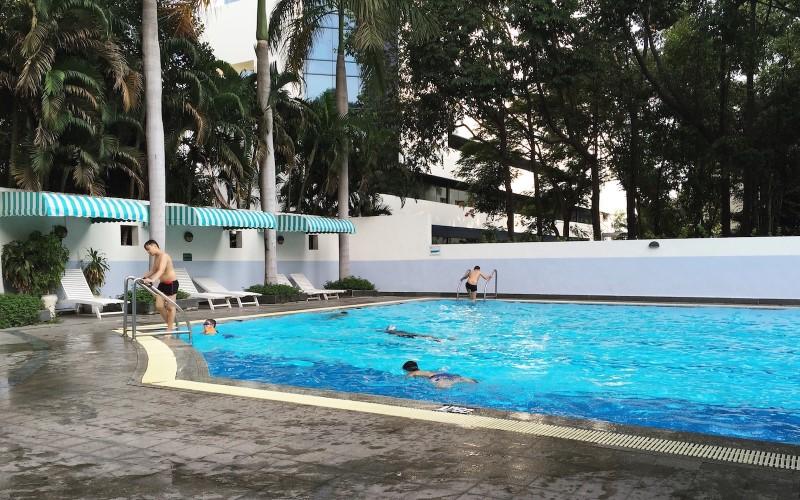 Không gian hồ Bơi Etown Tân Bình