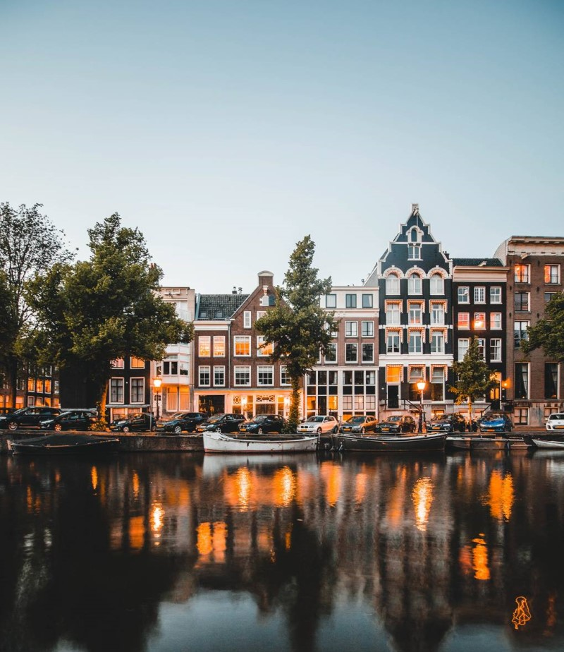 Kênh đào Amsterdam tại Hà Lan