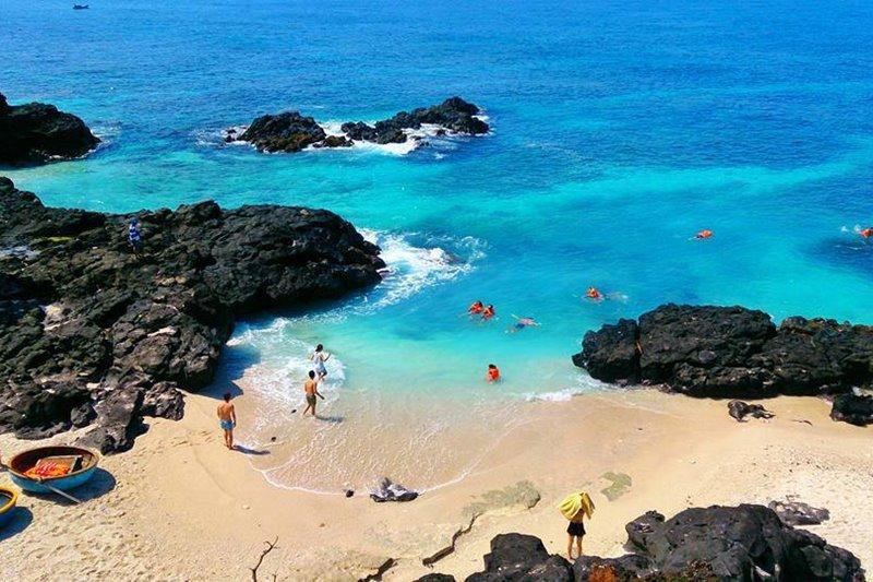 Tháng 8 nên đi du lịch ở đâu? biển Lý Sơn là gợi ý lý tưởng