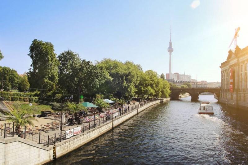 Dòng sông tại thành phố Berlin Đức