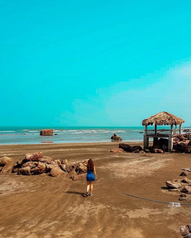 Khung cảnh đảo Lan Châu Cửa Lò