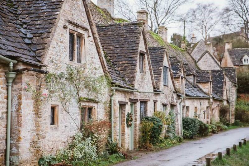 Những ngôi nhà như trong cổ tích tại quận Cotswolds