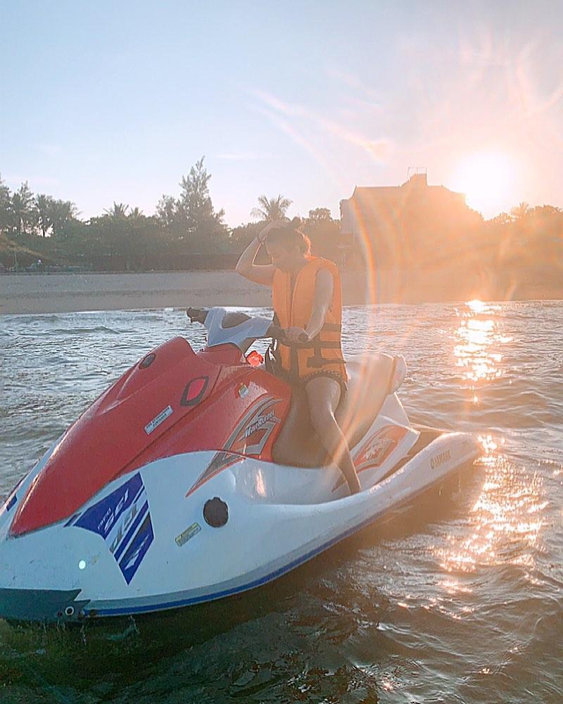 Trải nghiệm lái moto nước trên biển Cửa Lò