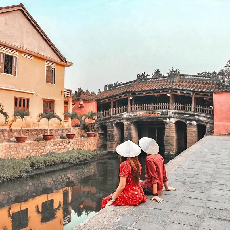 Khung cảnh tại chùa Cầu Hội An