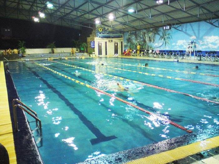 Không gian bể bơi có mái che Hải Quân Bình Thạnh