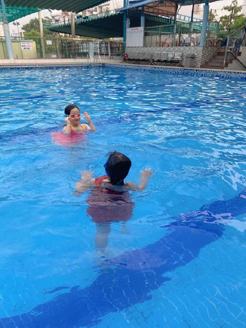 Không gian ở hồ bơi Kiến Thành quận Bình Tân
