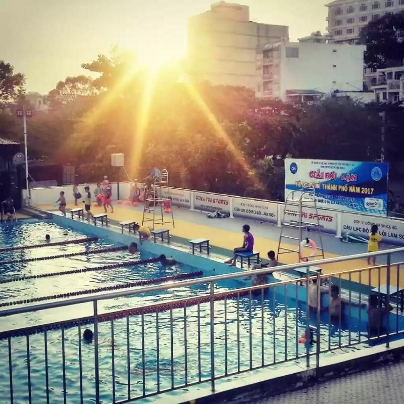 Giải bơi lặn thành phố được tổ chức ở hồ bơi Lam Sơn