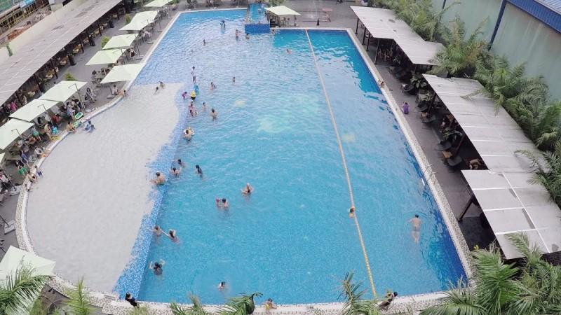 Toàn cảnh hồ bơi nước mặn MAIA Pool nhìn từ trên cao