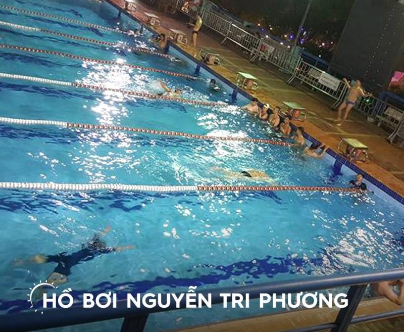 Hồ bơi Nguyễn Tri Phương quận 10 được chia thành nhiều line