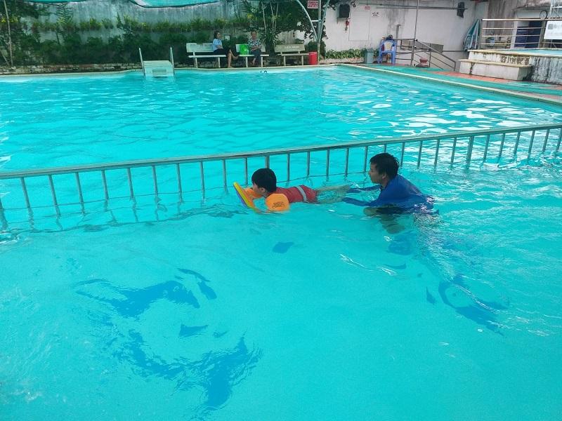 Không gian ở hồ bơi Swim To Be Live