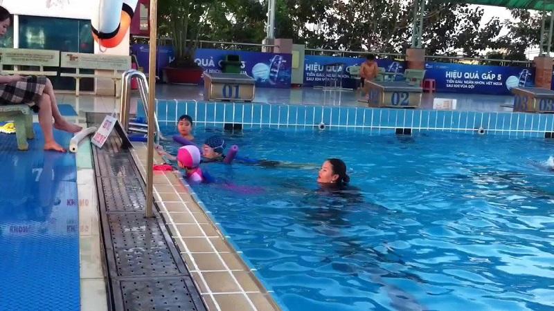 Một góc hồ bơi Tây Thạnh quận Tân Phú